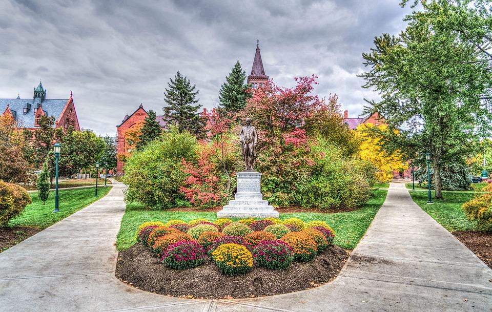 https://pixabay.com/en/university-of-vermont-architecture-1934567/