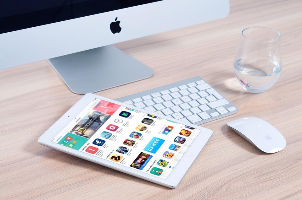 https://pixabay.com/en/imac-apple-mockup-app-ipad-mouse-606765/