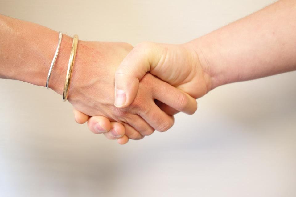 https://pixabay.com/en/wrist-hand-appointment-alliance-2359761/